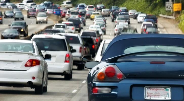 Alle Auto's Hebben Een Heel Handig Onderdeel Dat Bijna Niemand Gebruikt