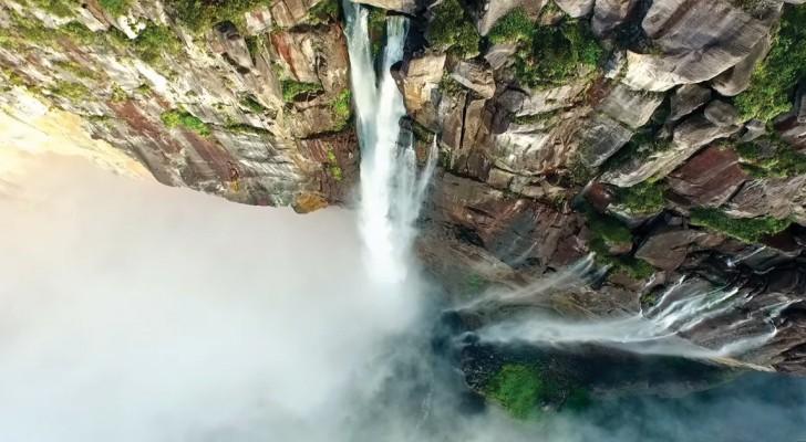 Attiva un drone e riprende dall'alto le cascate più alte del mondo. Spettacolo puro!