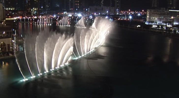 Una pazzesca esibizione di acqua e musica: ecco il nuovo show della fontana da record