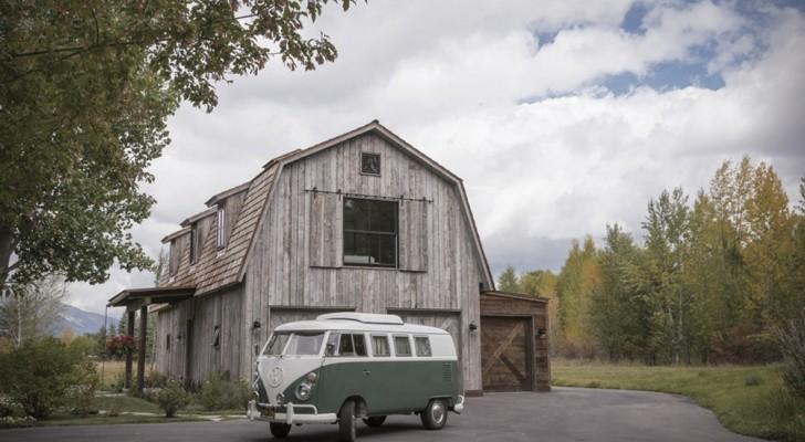 Magie de l'architecture : ils restaurent une ancienne grange et la transforme en une magnifique maison
