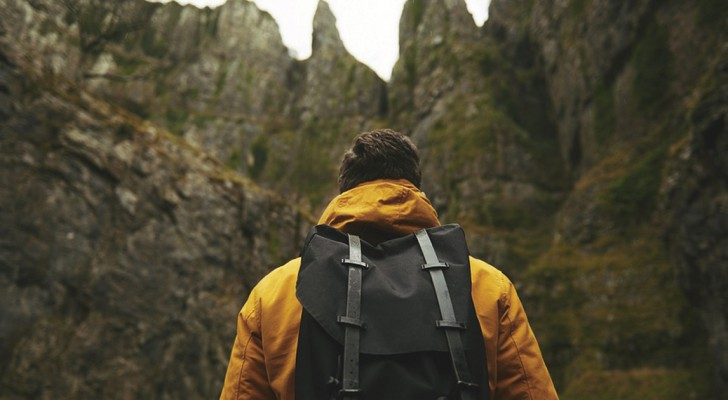 De rugzak die je inpakt is als metafoor voor het leven waar je je op voorbereidt: de twee situaties verschillen niet veel van elkaar
