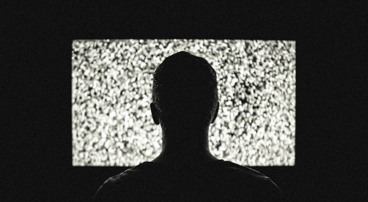 La dipendenza da serie TV è un problema reale e per i casi gravi nascono i primi centri di recupero