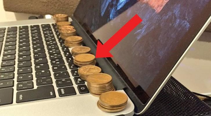 Leg kopere muntstukken op de laptop: een eenvoudige truc die een groot probleem oplost