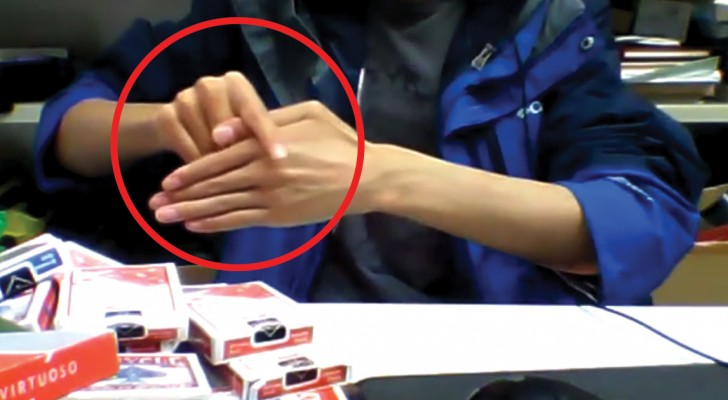 Watch a whole new level of the famous finger game!