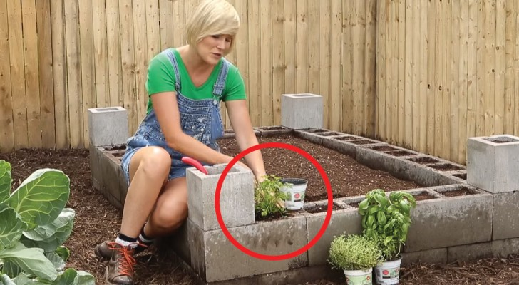 Hur man får ett trädgårdsutrymme med betongblock som man utnyttjar till fullt