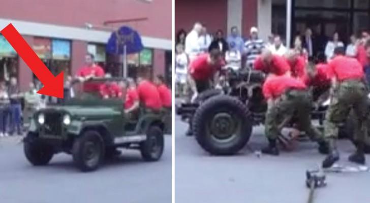 Dei militari mostrano alla folla come SMONTARE e RIMONTARE una Jeep in 3 minuti