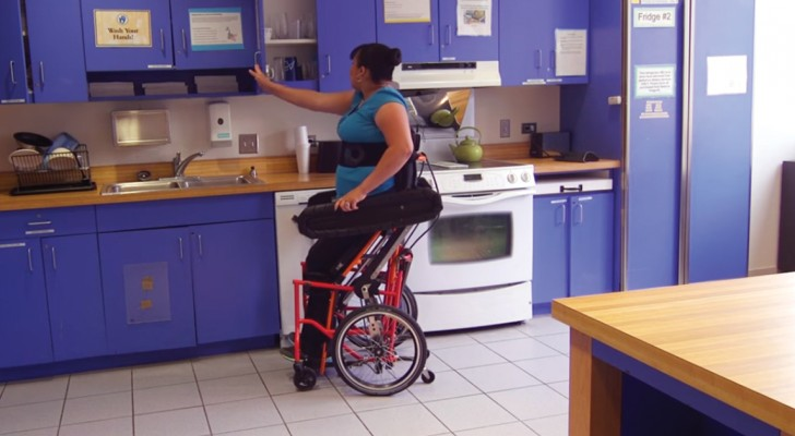 Den här moderna rullstolen förenklar vardagslivet för personer som annars har det svårt