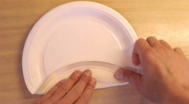 Need a food box? Use a paper plate!