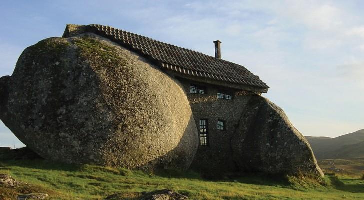 Casa do penedo is het huis tussen de rotsen dat for Dat architecten