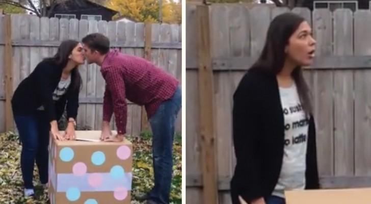Os balões vão dizer se é uma menina ou um menino... Pena que é a caixa errada...