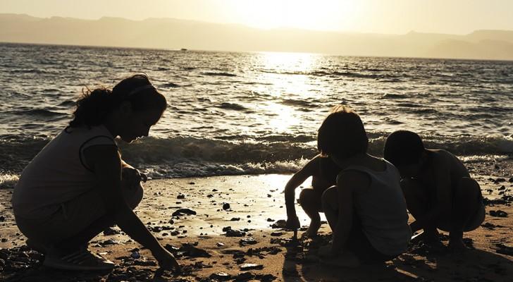 6 consigli degli psicologi di Harvard per crescere dei figli rispettosi e amorevoli