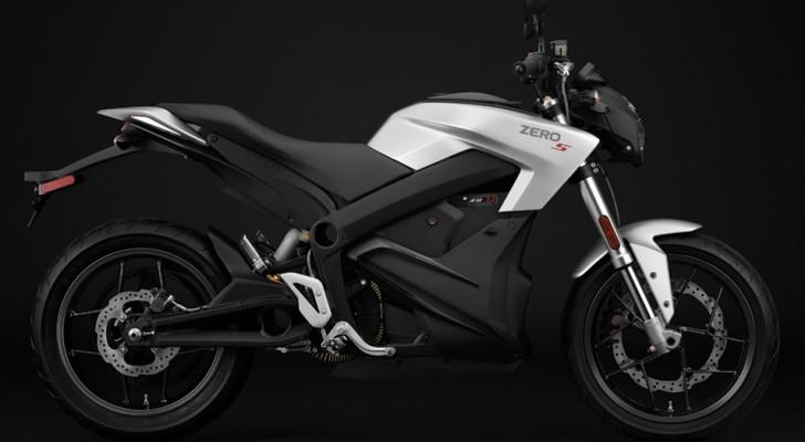 Un nouvelle moto électrique sur le marché: elle fait plus de 300 km en ville et se recharge en moins d'une heure.