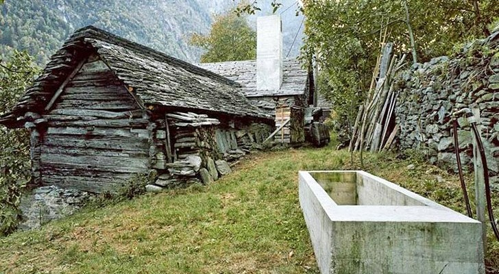 Es sieht aus wie eine alte Hütte aber in ihrem Innern ist ein Design-Meisterwerk versteckt