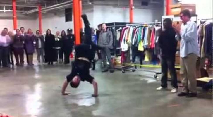 Sfida tra poliziotto e street performer