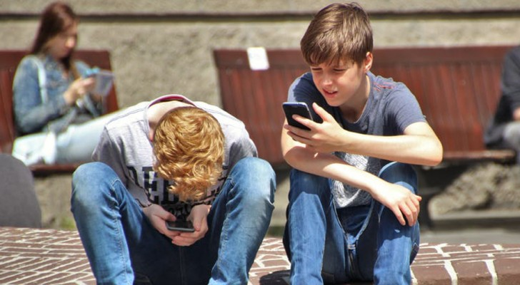 Frankrijk verbiedt het gebruik van smartphones op alle lagere en middelbare scholen