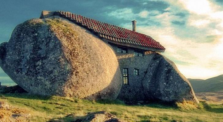 La fascinante Casa do Penedo, réalisée à partir de 4 énormes rochers placés les uns à côté des autres