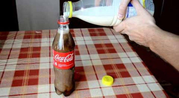 He mixes milk and coke: after 6 hours, the result is impressive !!