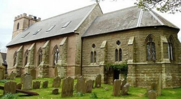 Una chiesa del 1700 trasformata in casa: quando vedrete com'è fatta dentro rimarrete ammaliati