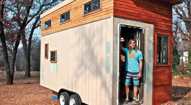 Hij bouwt een huis van 14 vierkante meter om de dure universiteitsprijs niet te betalen: het interieur zal je verbazen!