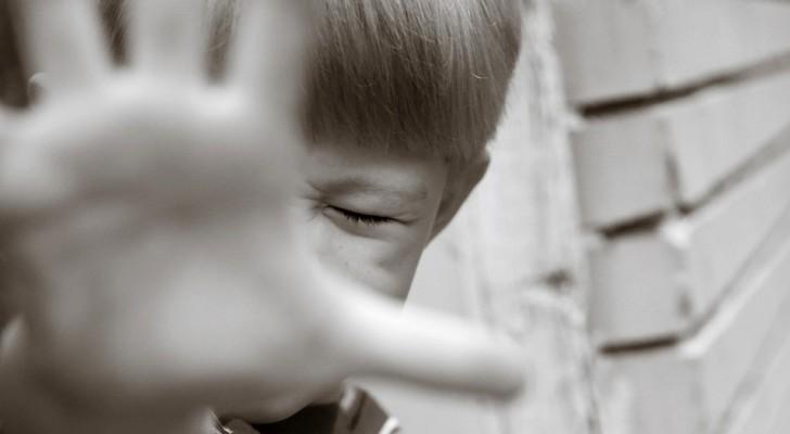 3 types de violence psychologique qui détruisent l'estime de soi d'un enfant