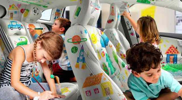 Voici la première voiture avec tous les intérieurs à colorier : conçue pour la sérénité des enfants... et des parents !