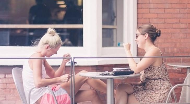 Freunde sind ein natürliches Schmerzmittel: Hier die Studie, die das beweist
