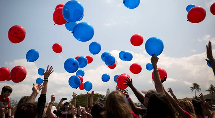 Che fine fanno i palloncini ad elio che liberiamo in cielo? Queste terribili foto ce lo dicono chiaramente