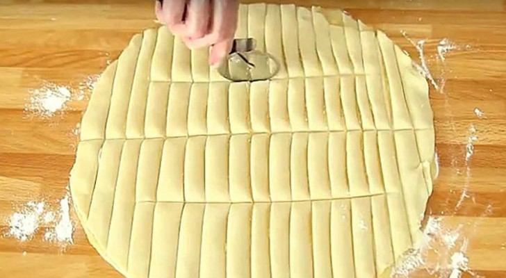 A delicious recipe for puff pastry filled with apples that can be prepared in record time