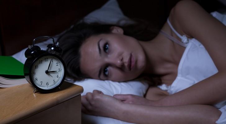 4 techniques de méditation simples pour chasser l'insomnie et retrouver le sommeil en 15 minutes.