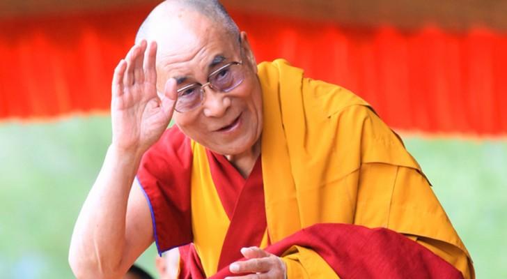 Voici 10 façons de combattre les voleurs d'énergie, selon le Dalaï Lama.