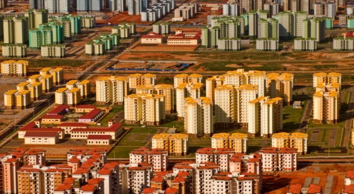 7 gigantesche città fantasma costruite in tempi moderni... in cui nessuno è mai voluto andare a vivere