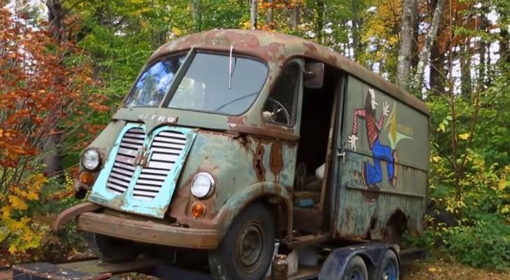 Ritrovato in un bosco il primo storico furgoncino degli Aerosmith, a 40 anni dal suo ultimo utilizzo