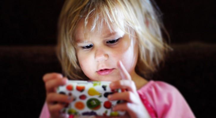 Die Abhängigkeit von Bildschirmen ist real und verschlechtert das Gehirn Ihres Kindes.
