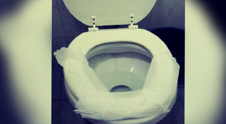 When using a public bathroom, covering the tablet with toilet paper is practically useless