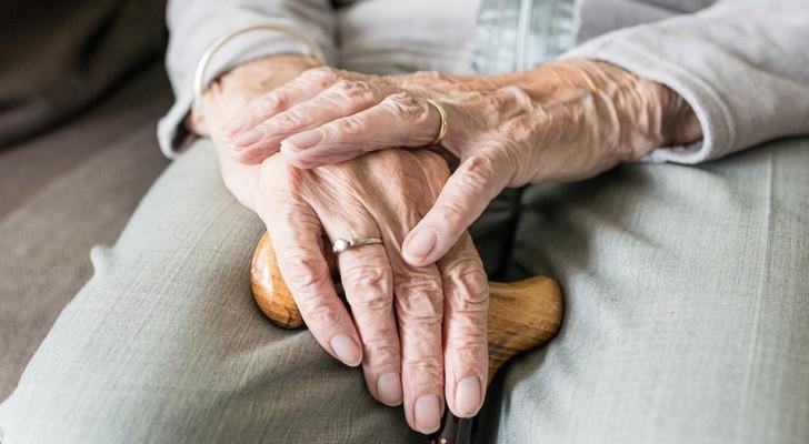 Les experts identifient l'un des premiers signes de l'apparition de la maladie d'Alzheimer, et ce n'est pas la perte de mémoire