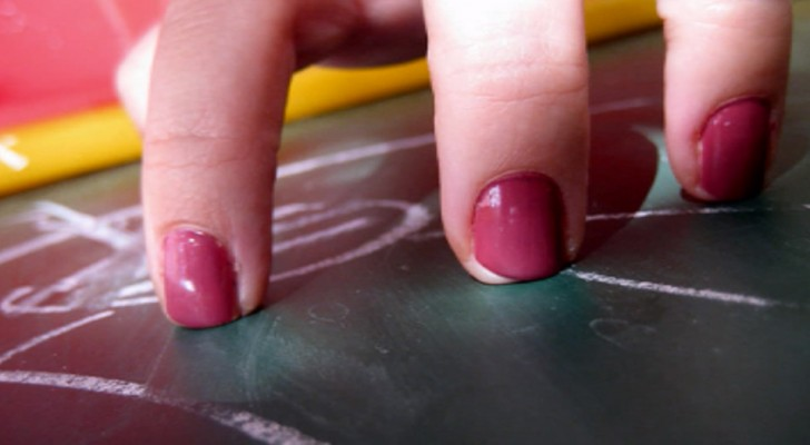 Perché il rumore delle unghie sulla lavagna ci risulta insopportabile?