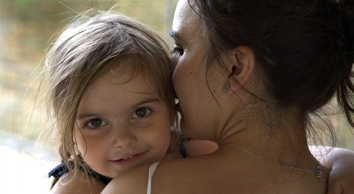 Mothers who use these 7 phrases raise stronger and more confident children