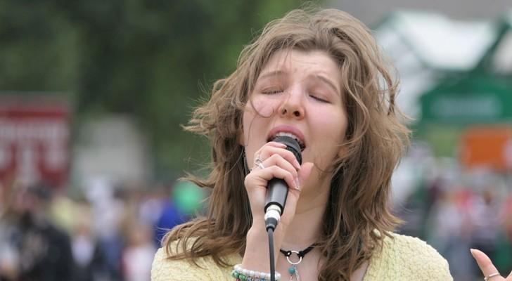 Cantare ogni giorno riduce lo stress e aumenta l'aspettativa di vita: lo dice uno studio