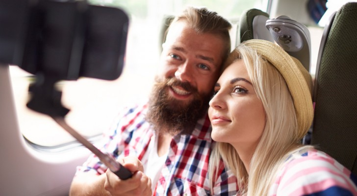 Couples who post fewer selfies on social media are happier than those who publish more