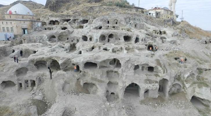 Turchia: durante la costruzione di un centro commerciale viene alla luce un'immensa città sotterranea