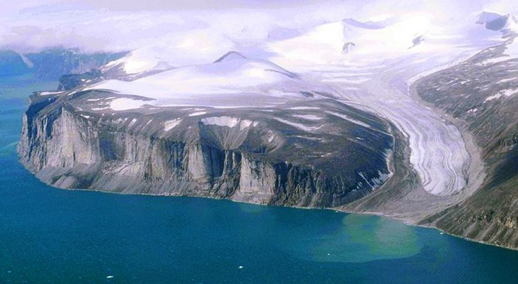 A causa dello scioglimento dei ghiacci, in Canada torna alla luce un lembo di terra dopo 40 mila anni