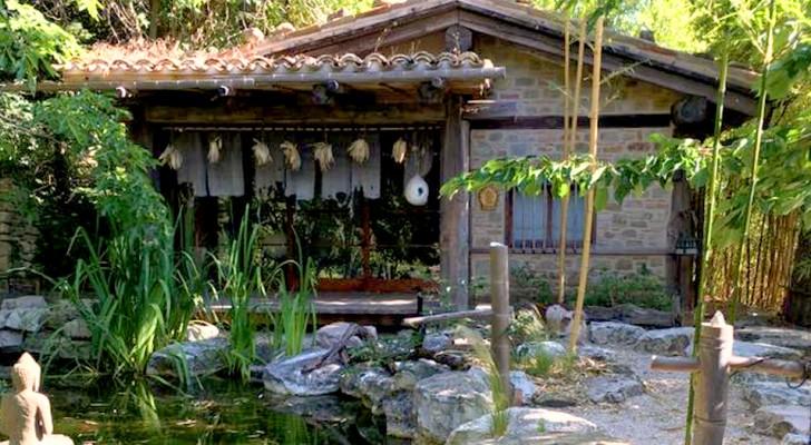 Esiste un magnifico angolo di Giappone nascosto tra i parchi del centro Italia