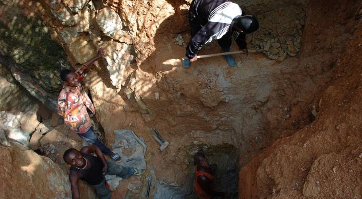 La metà delle riserve mondiali di cobalto si trova in Congo: perché è uno dei paesi più poveri al mondo?