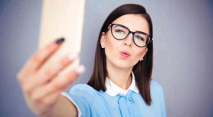 Avoir une obsession pour les selfies peut cacher une personnalité narcissique ou psychopathe