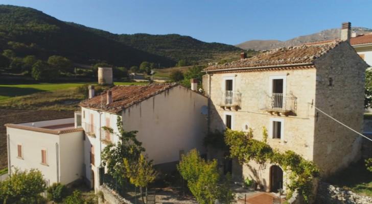 Il n'arrivait pas à vendre sa villa en Italie, alors il a organisé une loterie : maintenant vous pouvez la gagner pour seulement 60 euros