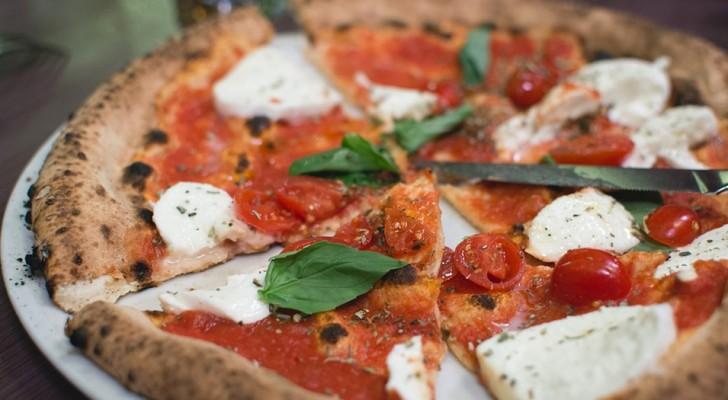 La pizza è in assoluto il piatto che dà più felicità: ecco gli altri cibi sul podio