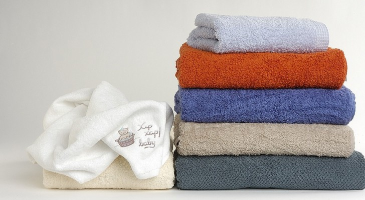 How often does one need to wash sheets and towels? Home science responds ...