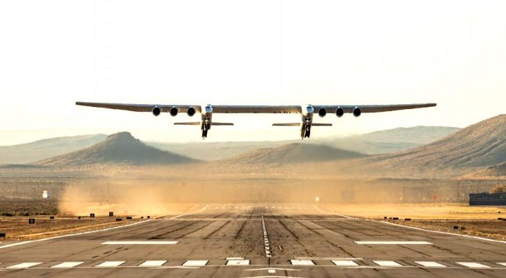 Das größte Flugzeug der Welt hat seinen Erstflug absolviert: Hier sind alle seine Eigenschaften