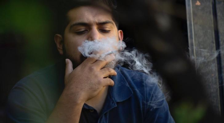 De kleding van rokers is bijna net zo schadelijk als hun sigaretten, vooral voor kinderen