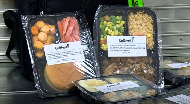 Esta escuela empaqueta y congela las sobras del comedor para donarlos a los alumnos más necesitados